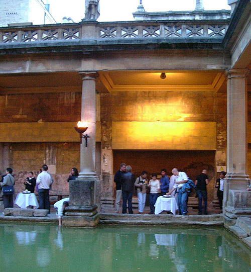 photo (83KB) : Reception at the Roman Baths