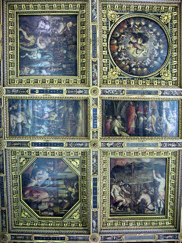 photo (106KB) : Figure 2: The opening presentations were held in the Salone del Cinquecento in the Palazzo Vecchio. This is a detail of the ceiling, with paintings by Giorgio Vasari.